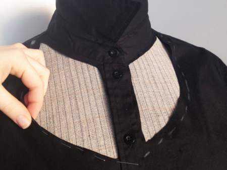 0e237dfc9a2 Вот и вся переделки женской рубашки. Можно смело надевать.