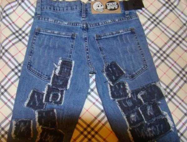 Как сделать заплатку на джинсах на коленке швейной машинкой