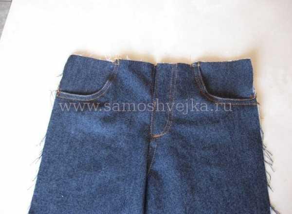 736db6ed0fff В верхнюю часть вшиваем гульфик и сверху оформляем обстрочку. В нужных  местах на ширинке делаем закрепляющие строчки. Так как джинсы у нас на  маленького ...
