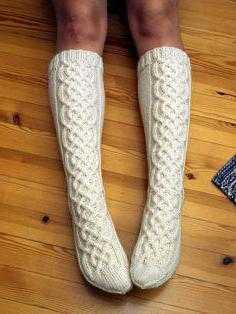 Вязание носков с узорами и описанием
