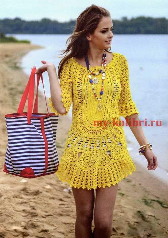 075fbb90c14815f Потрясающе красивое пляжное платье крючком, станет настоящим сокровищем в  вашем летнем гардеробе. Это вязаное пляжное платье крючком можно носить не  только ...